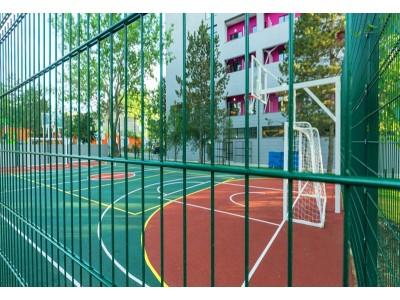 Лофт-отель «Beton Brut» (Бетон Брют) Анапа | Теннисный корт